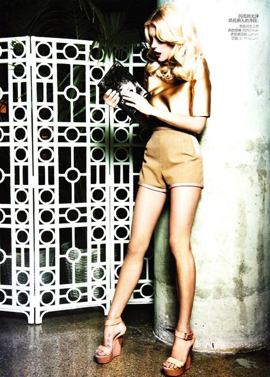 Jessica Stam Ojos Vogue-China (2)