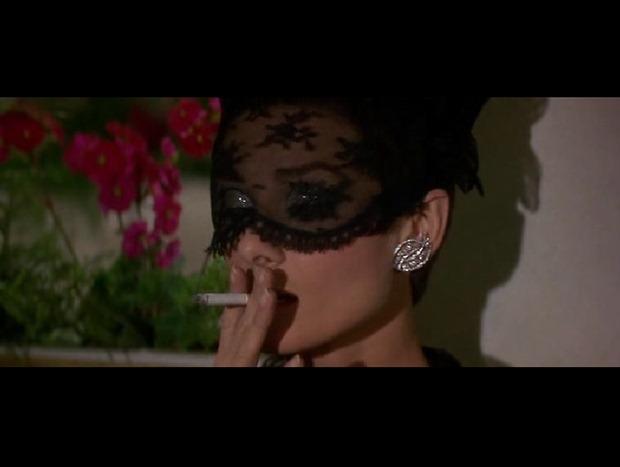 TIS: Audrey Hepburn puede saltarse la ley antitabaco