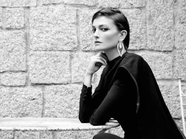 """""""En todo lo que no sea bocadillo y abrigo hay capricho…y no hay nada más caprichoso que el arte"""" Entrevista a Laura Ponte"""