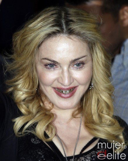 madona dientes de oro