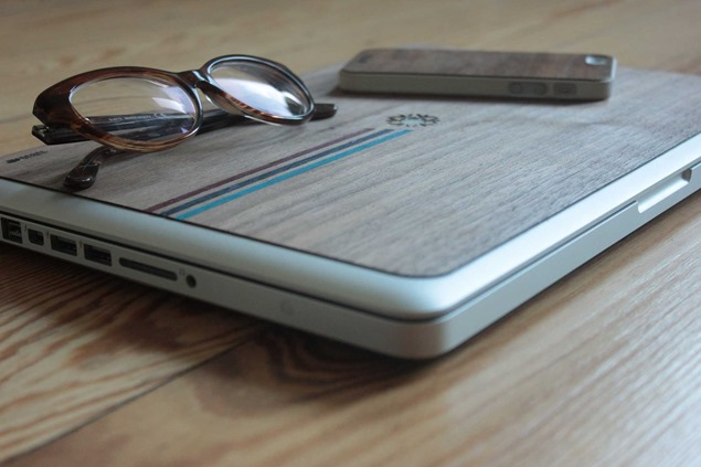 IUDUB: Fundas de madera personalizable para Apple