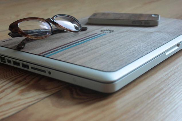 IUDUB: Fundas de madera personalizable para Apple