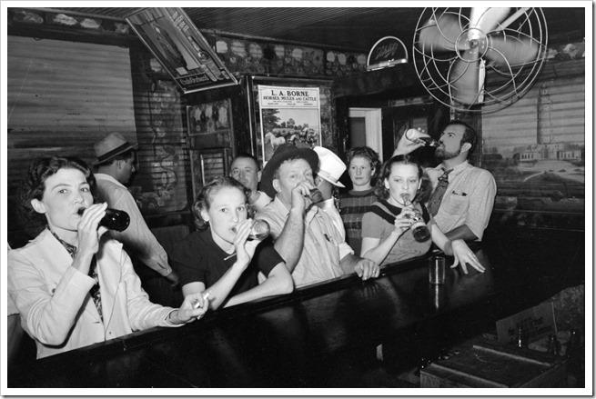 Historias de los anos 20… desde dentro Raceland_Louisiana_Beer_Drinkers_Russell_Lee
