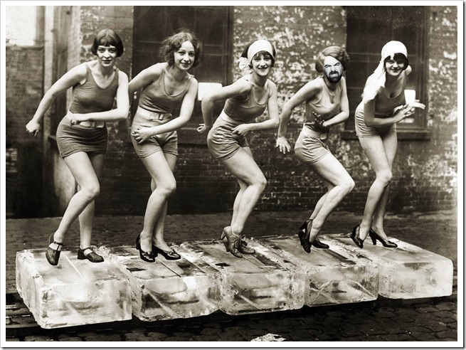 Female dancers performing the Charleston, 1926. Credit: ©Scherl / Sueddeutsche Zeitung Photo / The Image Works<br /><br /><br />