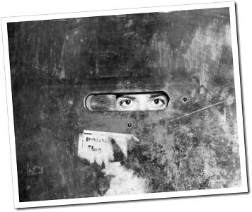 Historias de los anos 20… desde dentro speakeasy-door-slot