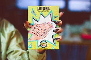 tatuajes manos y unas Tattoonie y Ghetto Nailz  (1)