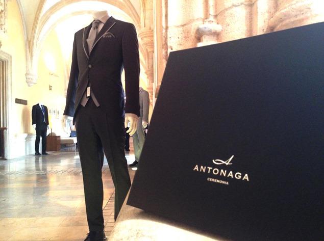 Antonaga presenta su colección 2015