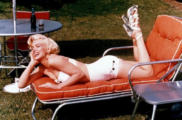 marilyn-monroe-white-bikini