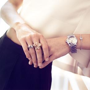 Poppy Delevigne Garance Dore Happy Diamonds Chopard Work-Day look close up