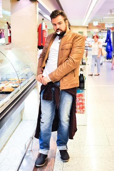 editorial moda personalidad gafas amarillas supermercado (10)
