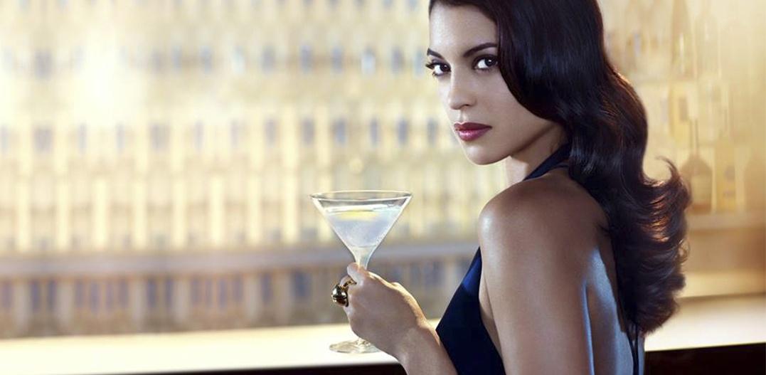James Bond brinda con Belvedere Vodka