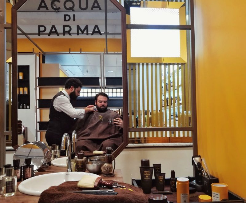 Experiencia Gafas Amarillas: Barbería pop-up de Acqua di Parma 🧔🏻